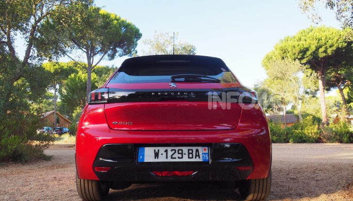 Nuova Peugeot 208: motori, prezzi e impressioni di guida - Foto 12 di 12