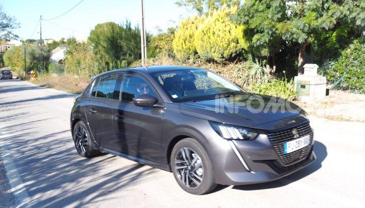 Nuova Peugeot 208: motori, prezzi e impressioni di guida - Foto 1 di 12