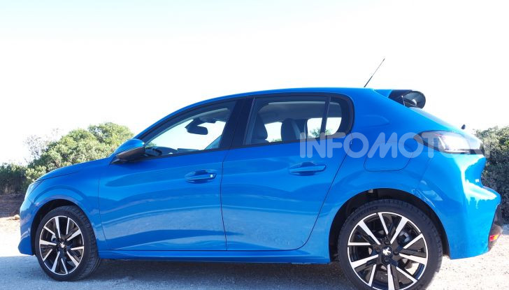 Nuova Peugeot 208: motori, prezzi e impressioni di guida - Foto 4 di 12