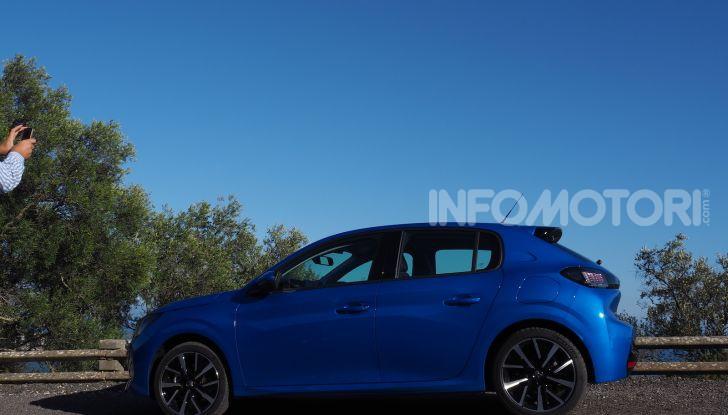 Nuova Peugeot 208: motori, prezzi e impressioni di guida - Foto 7 di 12