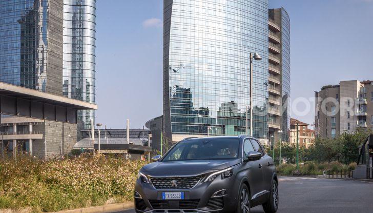 Peugeot 3008 Anniversary: il SUV top di gamma è in serie limitata - Foto 3 di 7