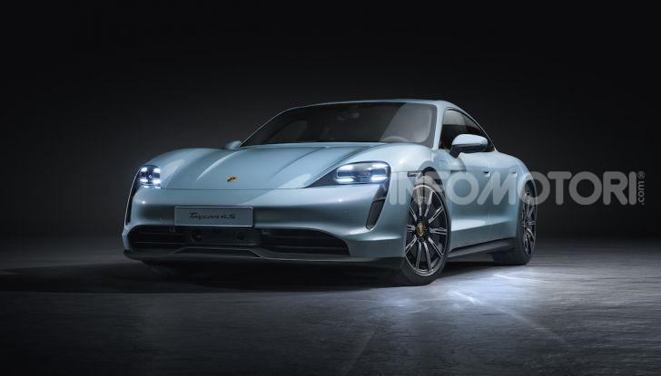 Porsche Taycan 4S, con la Performance Plus si arriva a 571CV - Foto 1 di 10