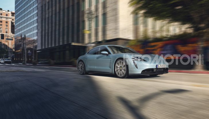 Porsche Taycan 4S, con la Performance Plus si arriva a 571CV - Foto 9 di 10