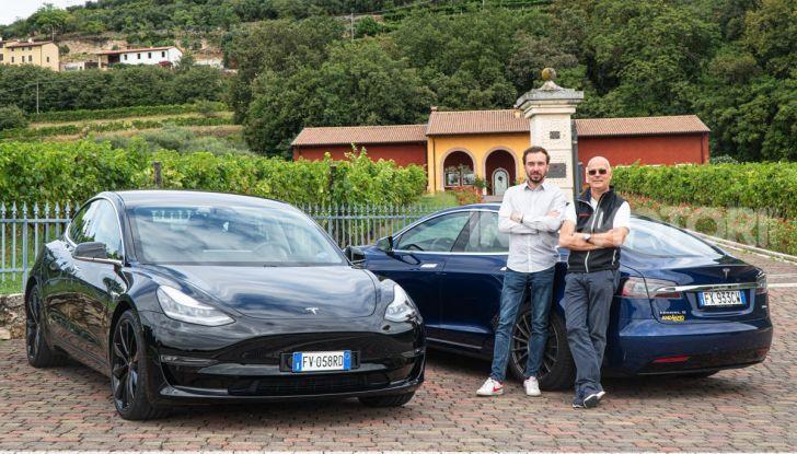 [VIDEO] Tesla Model S vs Tesla Model 3, il confronto: quale comprare? - Foto 1 di 14
