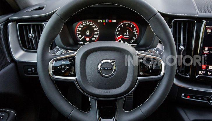 Volvo: velocità limitata a 180 km/h su tutte le nuove auto - Foto 29 di 71