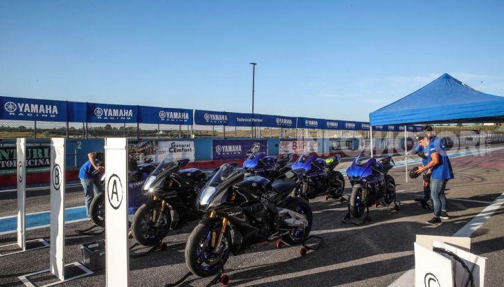 Prova Yamaha R1 ed R1M 2020, tante piccole novità per una moto quasi perfetta - Foto 3 di 38