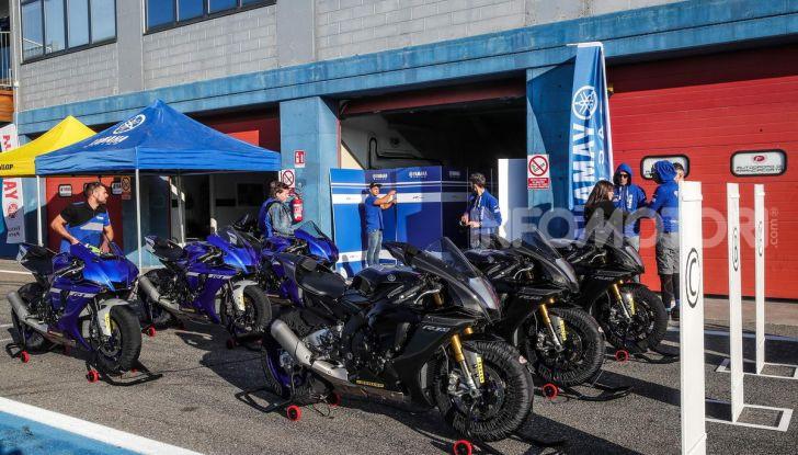 Prova Yamaha R1 ed R1M 2020, tante piccole novità per una moto quasi perfetta - Foto 6 di 38