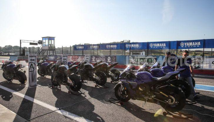 Prova Yamaha R1 ed R1M 2020, tante piccole novità per una moto quasi perfetta - Foto 7 di 38