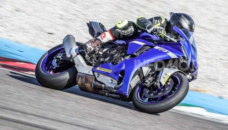 Prova Yamaha R1 ed R1M 2020, tante piccole novità per una moto quasi perfetta - Foto 19 di 38