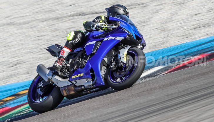 Prova Yamaha R1 ed R1M 2020, tante piccole novità per una moto quasi perfetta - Foto 20 di 38