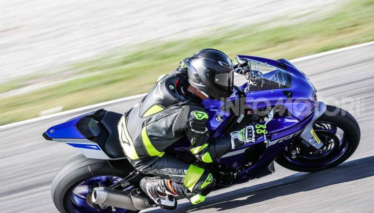 Prova Yamaha R1 ed R1M 2020, tante piccole novità per una moto quasi perfetta - Foto 29 di 38