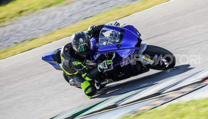 Prova Yamaha R1 ed R1M 2020, tante piccole novità per una moto quasi perfetta - Foto 21 di 38
