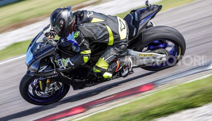 Prova Yamaha R1 ed R1M 2020, tante piccole novità per una moto quasi perfetta - Foto 34 di 38