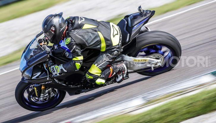 Prova Yamaha R1 ed R1M 2020, tante piccole novità per una moto quasi perfetta - Foto 35 di 38