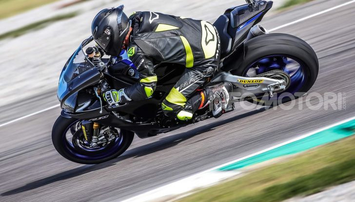 Prova Yamaha R1 ed R1M 2020, tante piccole novità per una moto quasi perfetta - Foto 36 di 38
