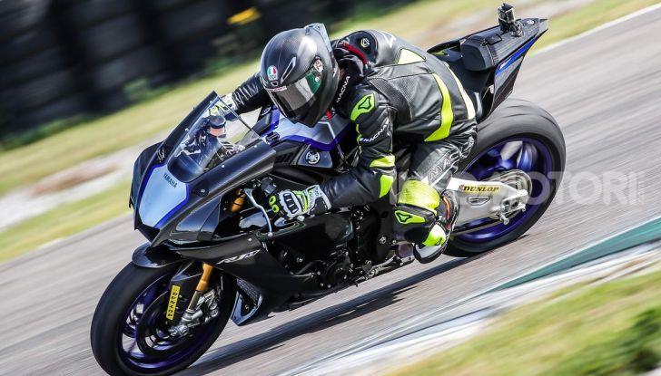 Prova Yamaha R1 ed R1M 2020, tante piccole novità per una moto quasi perfetta - Foto 37 di 38