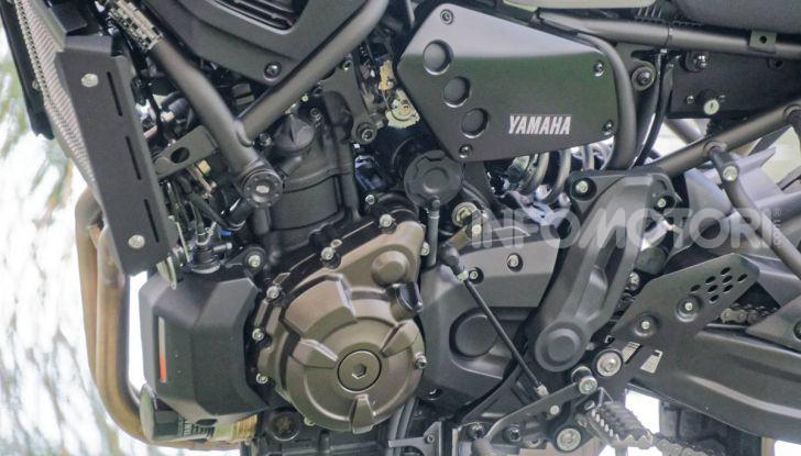 Prova Yamaha XSR 700 XTribute, la Sport Heritage omaggia l'XT di Rambo - Foto 35 di 37
