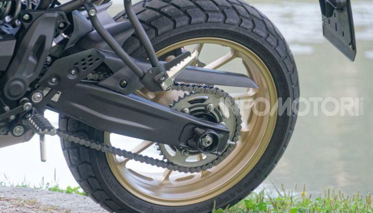 Prova Yamaha XSR 700 XTribute, la Sport Heritage omaggia l'XT di Rambo - Foto 33 di 37