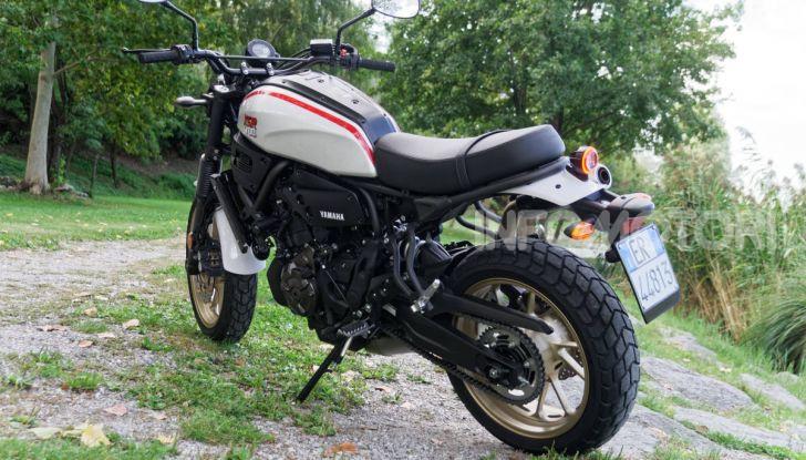 Prova Yamaha XSR 700 XTribute, la Sport Heritage omaggia l'XT di Rambo - Foto 28 di 37