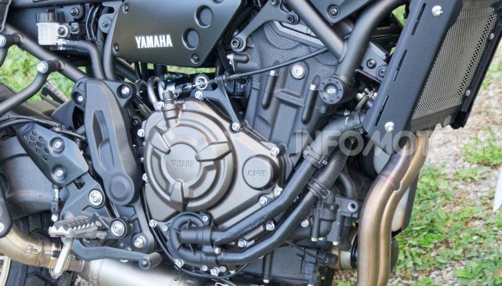 Prova Yamaha XSR 700 XTribute, la Sport Heritage omaggia l'XT di Rambo - Foto 27 di 37