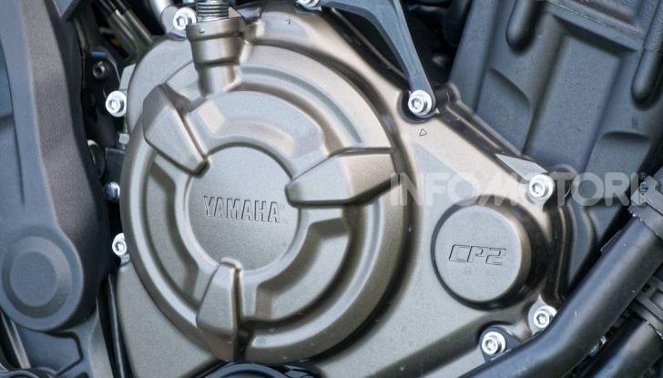 Prova Yamaha XSR 700 XTribute, la Sport Heritage omaggia l'XT di Rambo - Foto 26 di 37