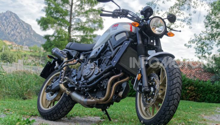 Prova Yamaha XSR 700 XTribute, la Sport Heritage omaggia l'XT di Rambo - Foto 22 di 37