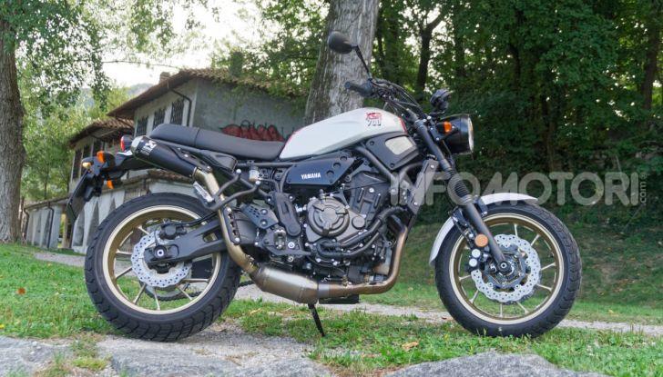 Prova Yamaha XSR 700 XTribute, la Sport Heritage omaggia l'XT di Rambo - Foto 23 di 37