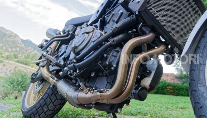 Prova Yamaha XSR 700 XTribute, la Sport Heritage omaggia l'XT di Rambo - Foto 19 di 37
