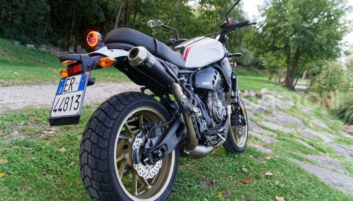 Prova Yamaha XSR 700 XTribute, la Sport Heritage omaggia l'XT di Rambo - Foto 15 di 37