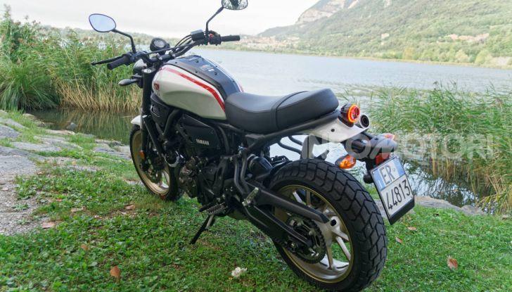 Prova Yamaha XSR 700 XTribute, la Sport Heritage omaggia l'XT di Rambo - Foto 14 di 37