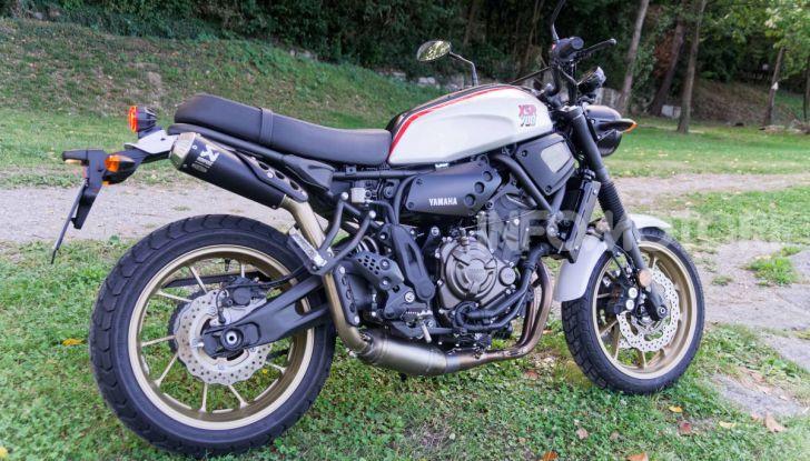 Prova Yamaha XSR 700 XTribute, la Sport Heritage omaggia l'XT di Rambo - Foto 13 di 37