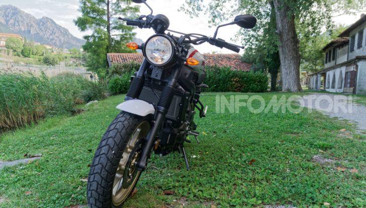 Prova Yamaha XSR 700 XTribute, la Sport Heritage omaggia l'XT di Rambo - Foto 12 di 37