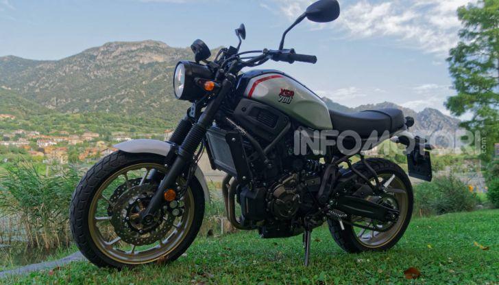 Prova Yamaha XSR 700 XTribute, la Sport Heritage omaggia l'XT di Rambo - Foto 11 di 37