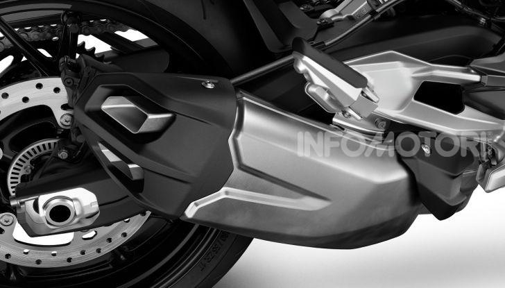 BMW F 900R 2020: la naked della Casa dell'elica dinamica e adatta a tutti - Foto 36 di 39