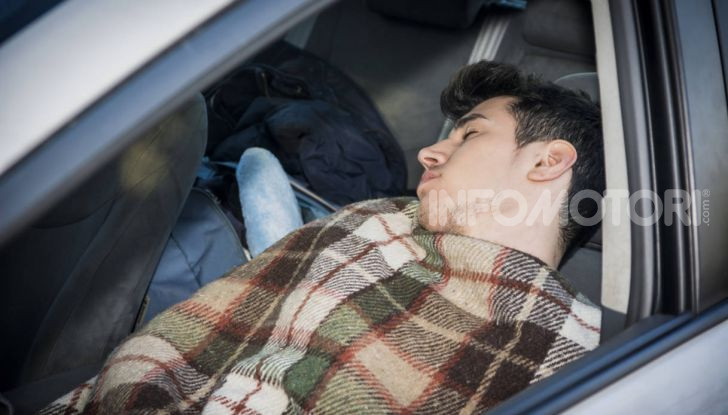Dormire in macchina comodamente