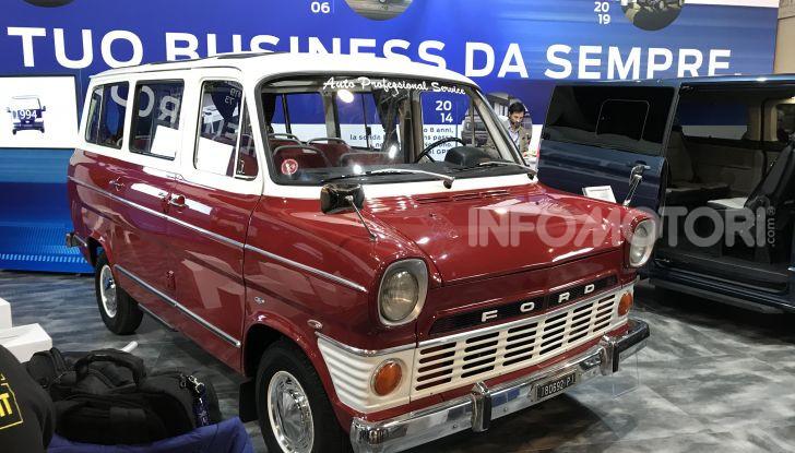 Ford Transit, 60 anni di successi per il commerciale dell'Ovale Blu - Foto 2 di 7