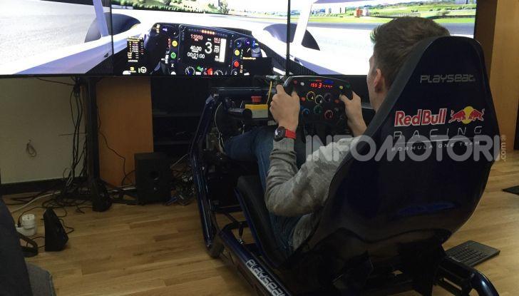 Max Verstappen training Playseat F1
