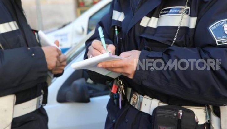 vigili urbani polizia municipale multe notifica