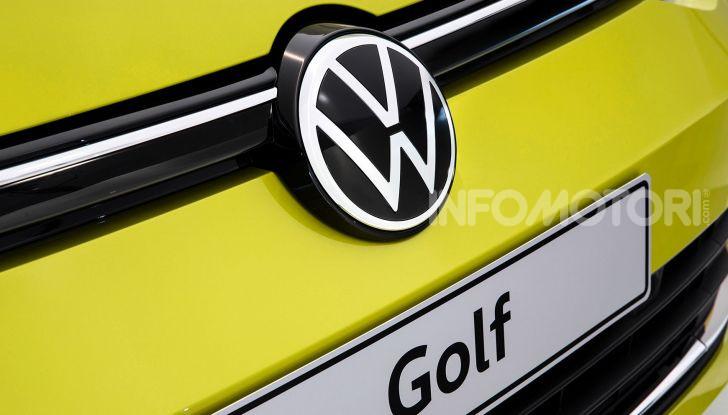 Volkswagen Golf 8 R: il mostro da 330 CV arriva a fine 2020 - Foto 12 di 15