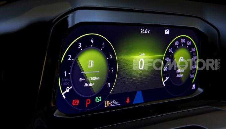 Volkswagen Golf 8 R: il mostro da 330 CV arriva a fine 2020 - Foto 15 di 15