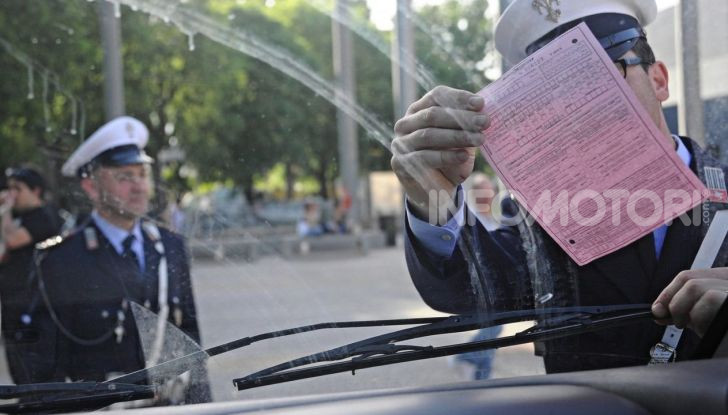 vigili urbani polizia municipale multa