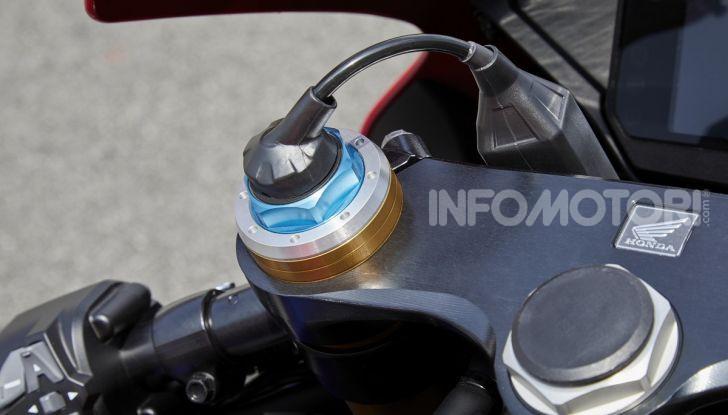 Honda CBR1000RR-R 2020: la nuova Superbike della Casa dell'Ala, anche in versione SP - Foto 15 di 42