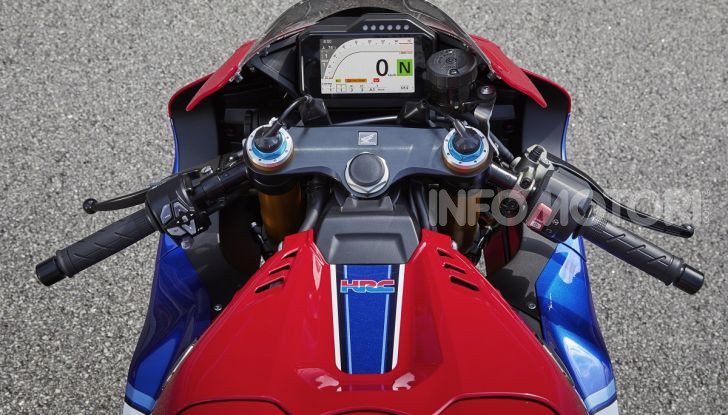 Honda CBR1000RR-R 2020: la nuova Superbike della Casa dell'Ala, anche in versione SP - Foto 11 di 42