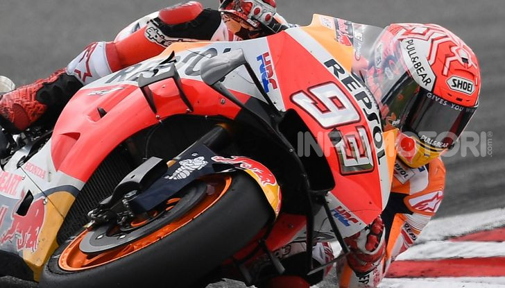 MotoGP 2019, GP di Valencia: Marquez chiude la stagione con la 12esima vittoria dell'anno davanti a Quartararo - Foto 1 di 10