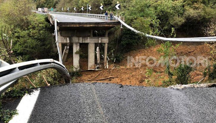 A6 Torino-Savona: in Liguria crolla il viadotto dell'autostrada a causa di una frana - Foto 1 di 2