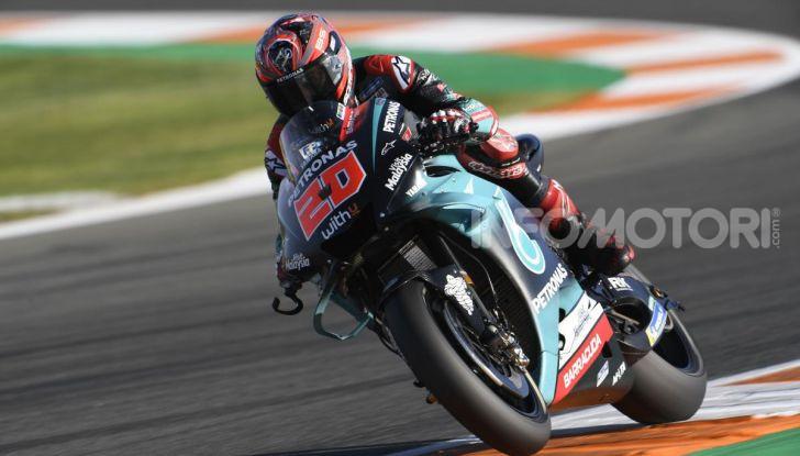 MotoGP 2019, GP di Valencia: Marquez chiude la stagione con la 12esima vittoria dell'anno davanti a Quartararo - Foto 3 di 10