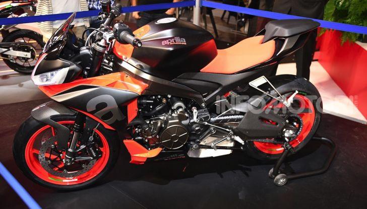 Aprilia Tuono 660 Concept: potenza e allestimento premium - Foto 2 di 11