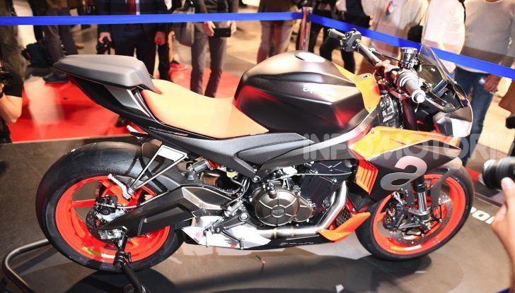 Aprilia Tuono 660 Concept: potenza e allestimento premium - Foto 8 di 11