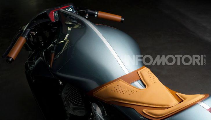 Aston Martin presenta la prima moto della propria storia - Foto 4 di 10