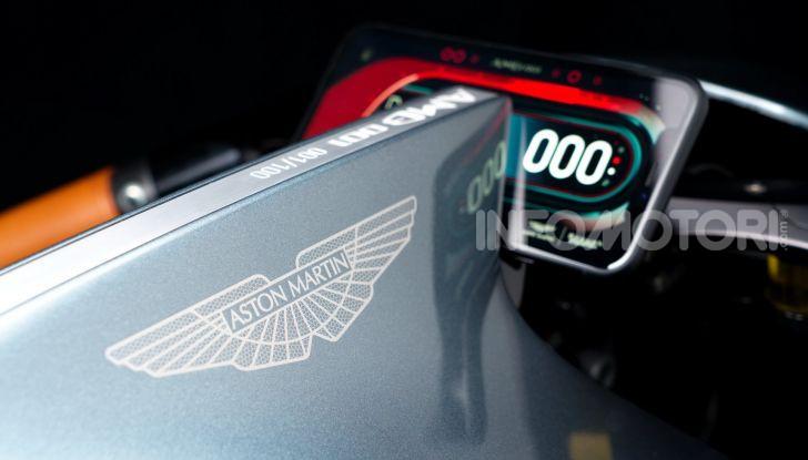 Aston Martin presenta la prima moto della propria storia - Foto 7 di 10